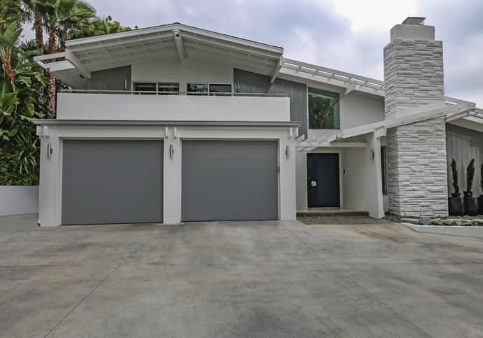 Flush Modern Garage Doors