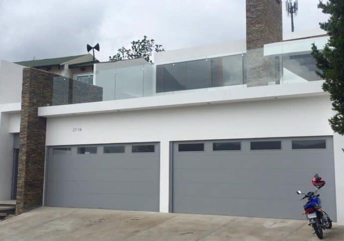 T22 Traditional Garage Doors - Flush