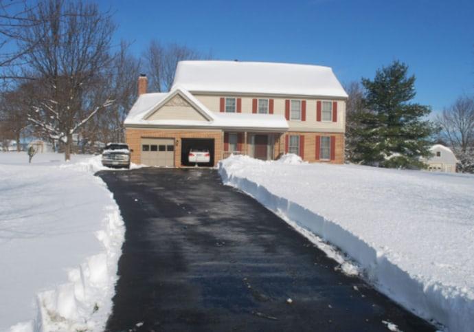 How Etobicoke's Winters Could Break Your Garage Door