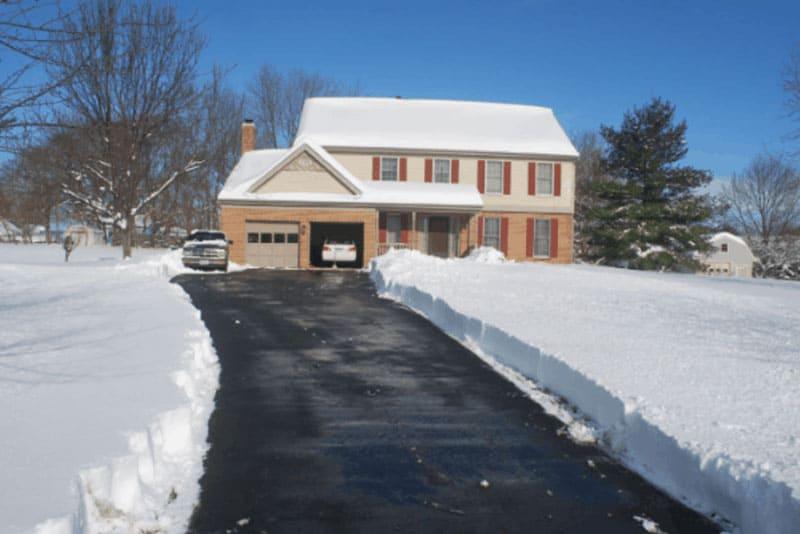 Will You Need Garage Door Repair in Etobicoke This Winter?